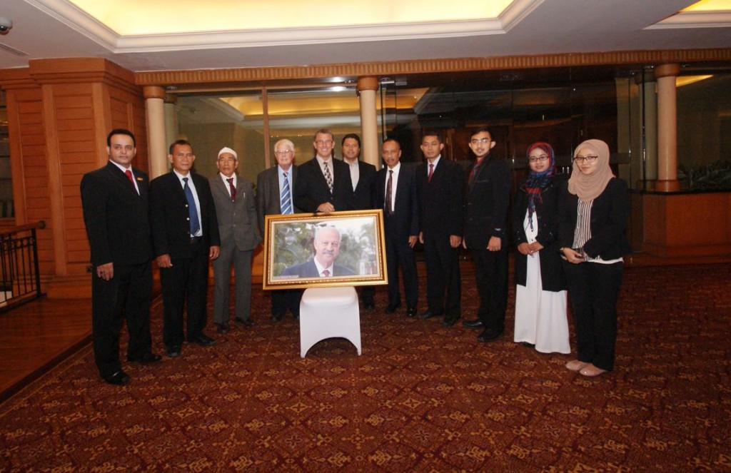 Delegasi GAI, Sulardi Notopertomo (keempat dari kiri), Fathurrahman Irsyad, dan Mutohir Alabas (kedua dari kanan), saat berfoto bersama dalam acara Ambassador for Peace